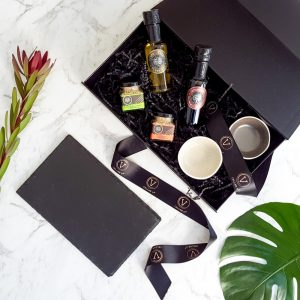 Oil and Dukkah gift hamper